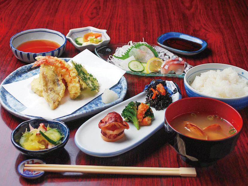 天ぷら定食の写真